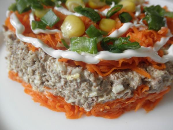 Слоеный печеночный салат