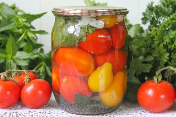 Мелкие маринованные помидоры