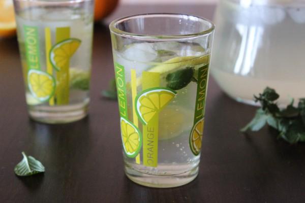 Домашний лимонад с мятой и лимоном