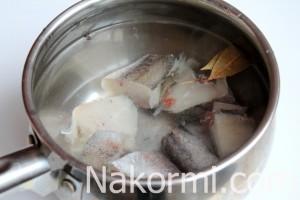 rybnyj-sup-iz-heka3-300x200 Рыбный суп: вкусные рецепты из хека, семги, скумбрии, форели, сайры. Рецепт вкусного рыбного супа с томатами, пшеном, сливками, плавленным сыром
