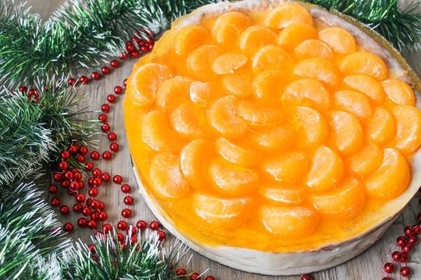 Бисквитный торт с мандаринами в желе