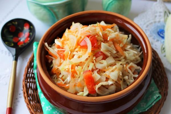 Салат из капусты с горчичной заправкой