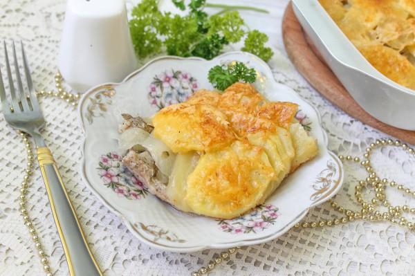 Свинина по-французски в духовке с картошкой