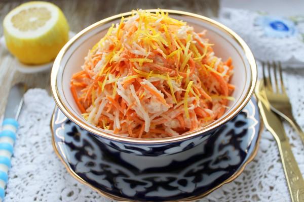 Салат из черной редьки с морковью и чесноком