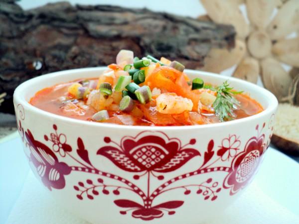 Томатный суп с рисом и кукурузой