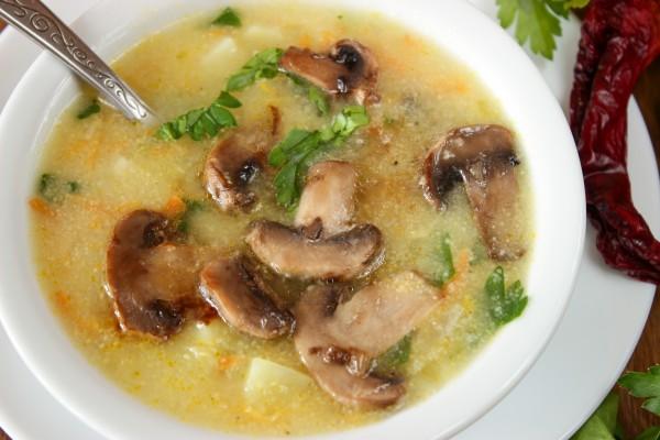 Кукурузный суп с шампиньонами