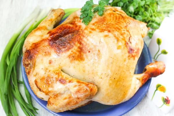 Курица запеченная целиком в рукаве в духовке