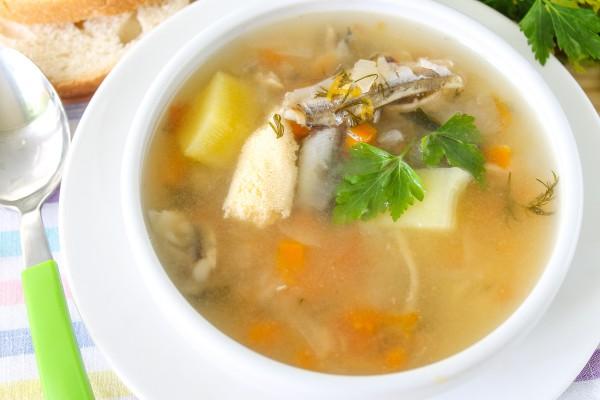 Рыбный суп из мойвы