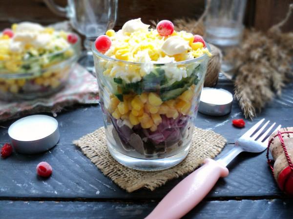 Салат из свиного сердца с кукурузой