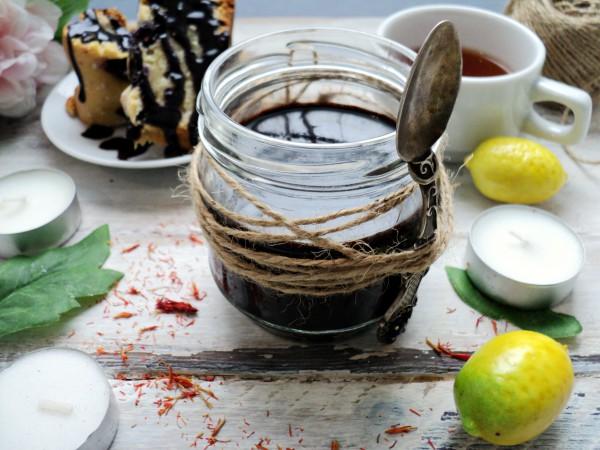 Шоколадный соус из какао-порошка с пряностями