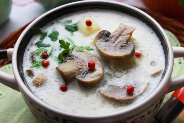 Суп с плавленым сыром и шампиньонами