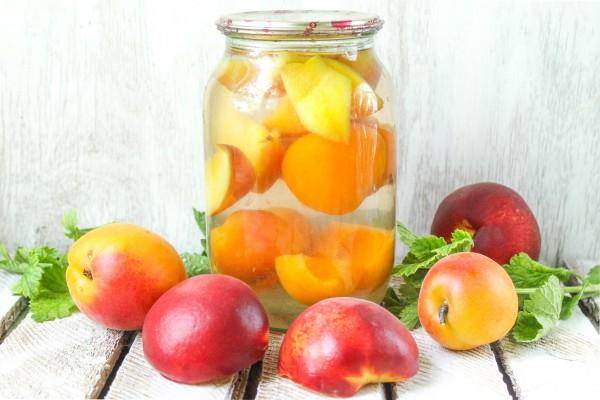 Компот из персиков и абрикосов на зиму без стерилизации