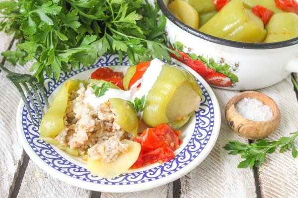 Фаршированный перец со свининой и рисом
