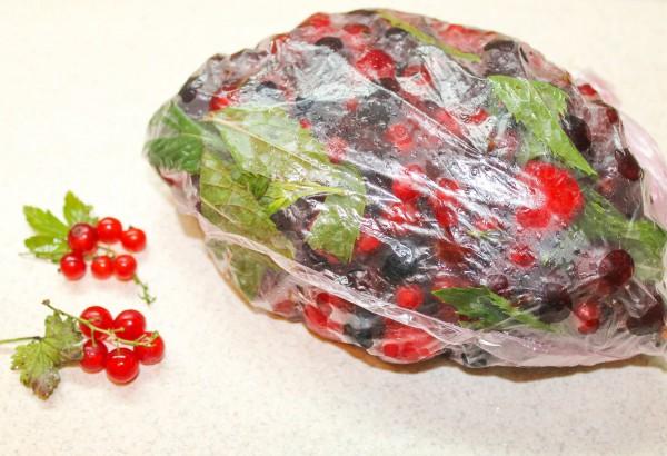 Как заморозить ягодное ассорти для компота на зиму