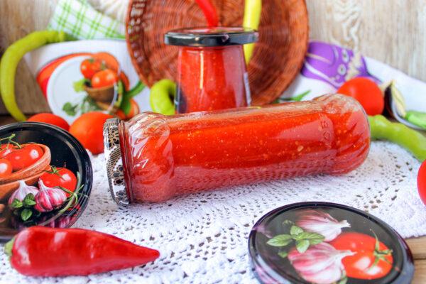 Острая аджика из помидоров на зиму