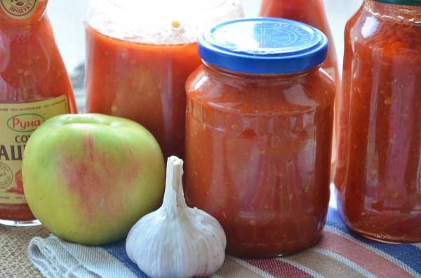Аджика с яблоками и помидорами на зиму