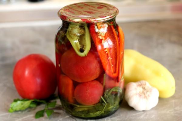 Маринованные помидоры с болгарским перцем на зиму