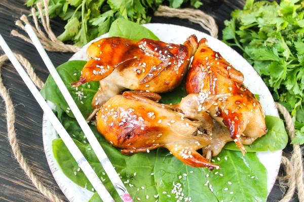 Перепела, жаренные по-тайски