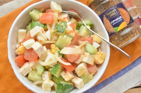 Белковый салат со свежими овощами
