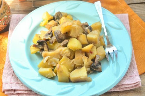 Картофель с шампиньонами в рукаве в духовке