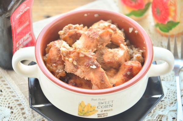Курица в луковом маринаде, запеченная с гречкой