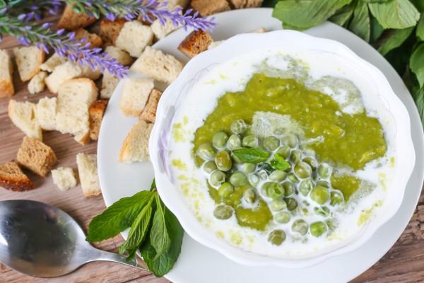 Мятный гороховый суп со сливками