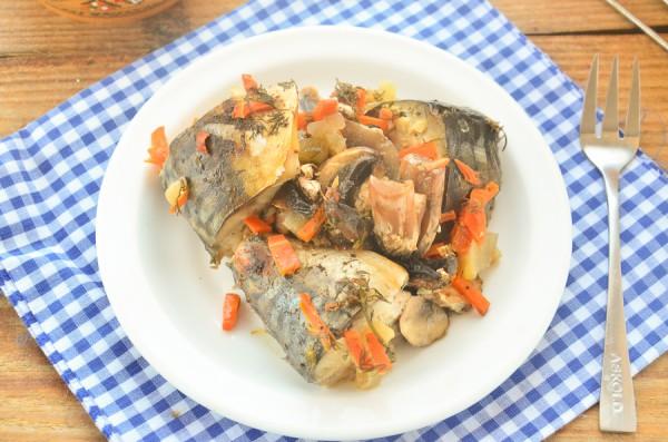 Скумбрия с овощами и шампиньонами в пароварке