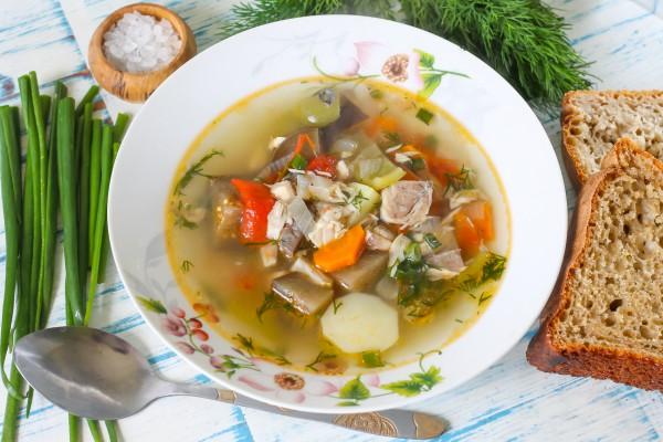 Суп из скумбрии с овощами