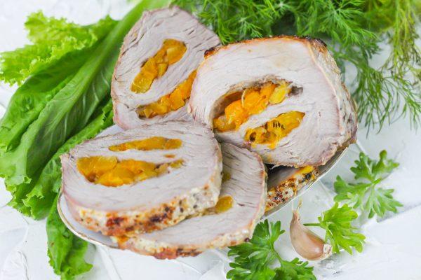 Пастрома из свинины с абрикосами