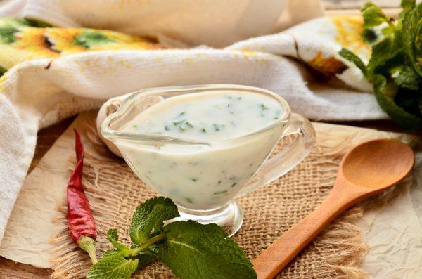Кефирный соус к шашлыку