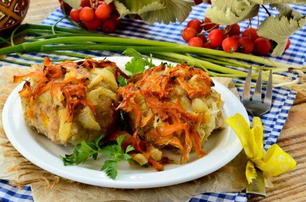 Куриные тефтели с сыром и овощами в духовке