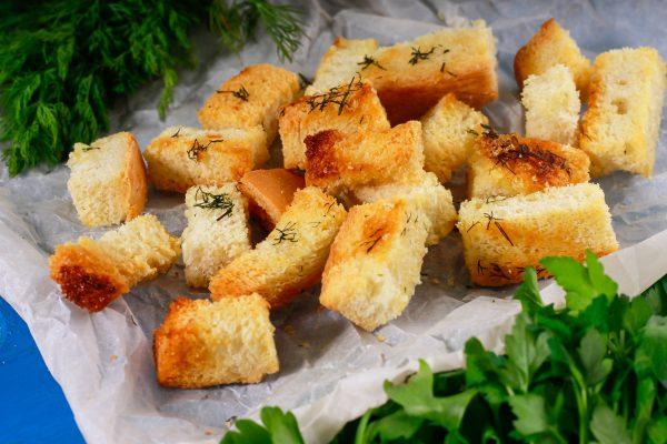 Крутоны из белого хлеба