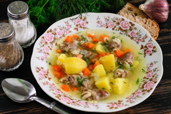 Суп с куриными сердечками и макаронами