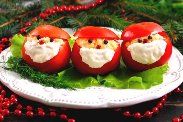 Закуска Деды Морозы из помидоров