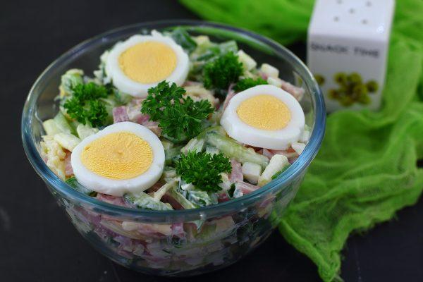 Салат Нежность с ветчиной, огурцом и сыром