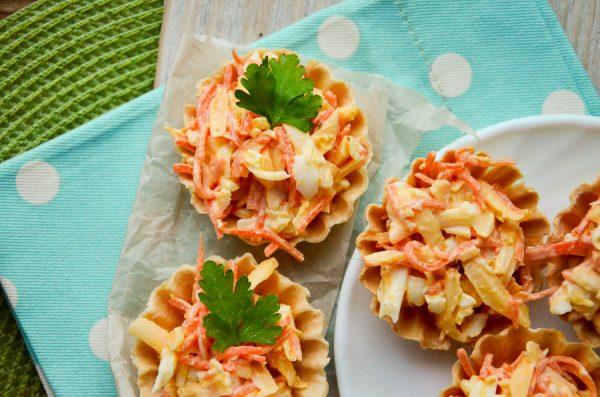 Тарталетки с морковью по-корейски