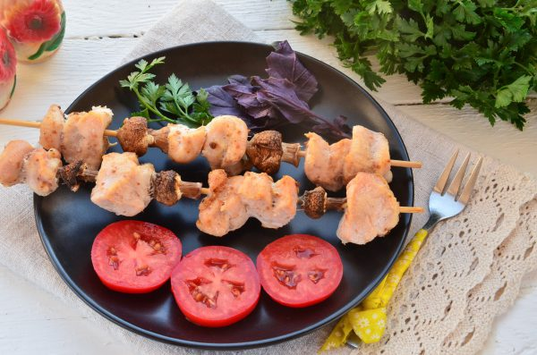 Куриный шашлык с шампиньонами в духовке