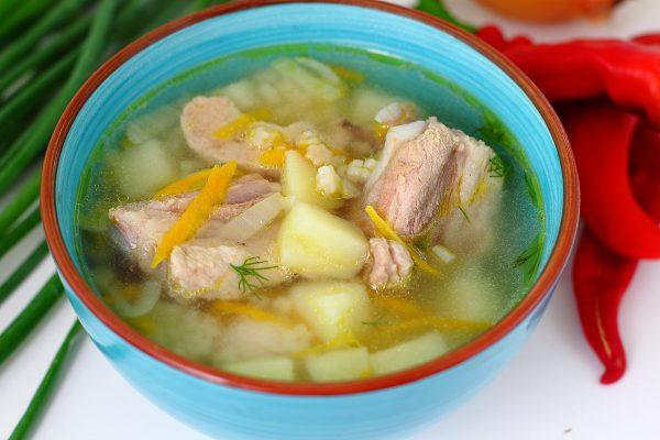 Суп из свиных ребрышек