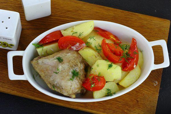 Картошка с курицей в фольге в духовке