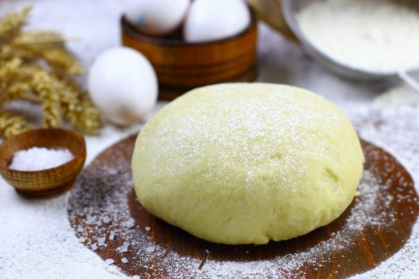 Тесто для пирожков на кефире с дрожжами