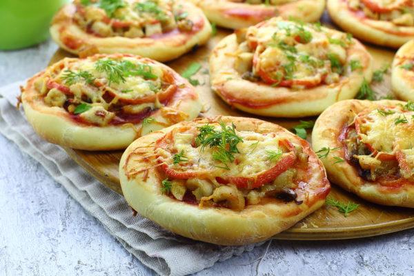 Мини пицца из дрожжевого теста