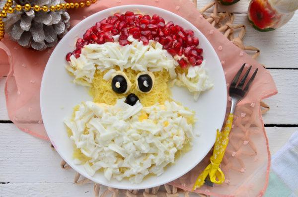 Салат Дед Мороз с курицей и сыром