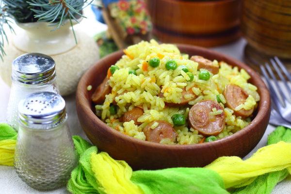 Рис с сосисками