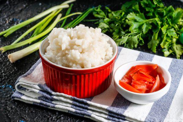 Отварной рис для суши и роллов