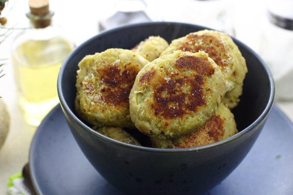 Рыбные котлеты с картошкой в духовке