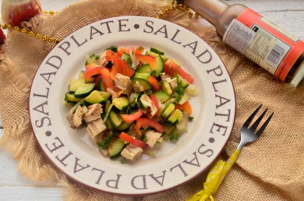 Салат со спаржей и огурцом