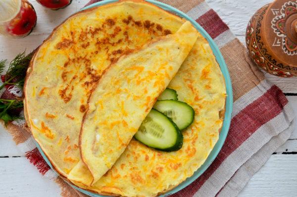 Яичные блинчики с сыром