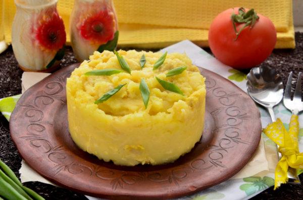 Картофельное пюре с фаршем и сыром