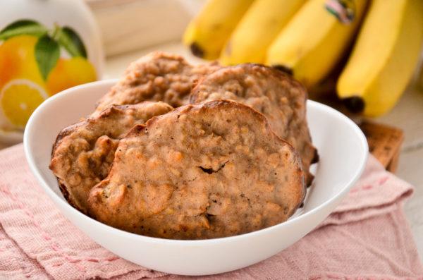 Овсяное печенье с бананом и орехами