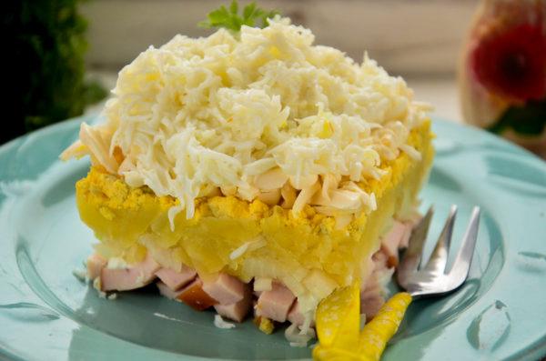 Салат Невеста с копченой курицей и плавленным сыром